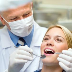 woman-dentist-teeth