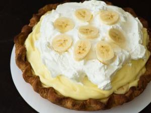 02012-185998-banana-cream-pie-610x458-1-thumb-625xauto-210645