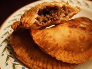 a-snowy-night-and-beef-empanadas-L-7F3vlY