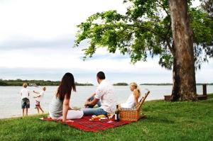 noosa river picnic