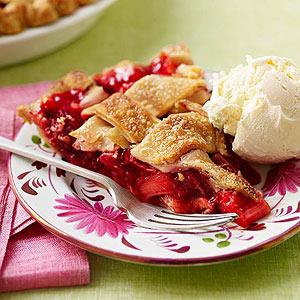 sweet-strawberry-rhubarb-pie-R116967-ss