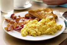 11-hotels-that-offer-free-hot-breakfasts-01-ch