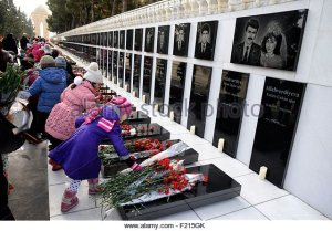 azerbaijan-baku-martyrs-lane-alley-of-martyrs-tombs-of-those-killed-f215gk